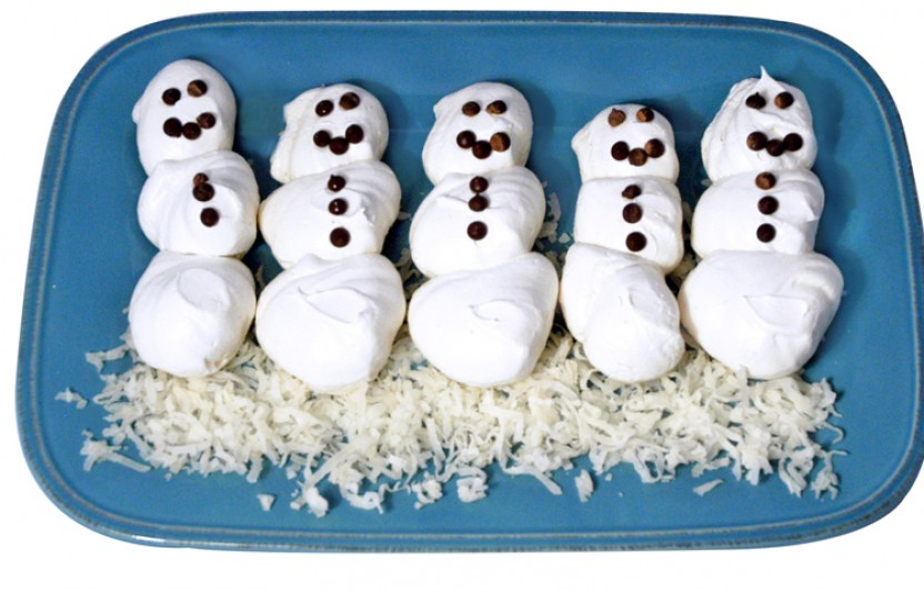 These edible snowmen are the perfect treat for winter birthday parties or holiday celebrations.